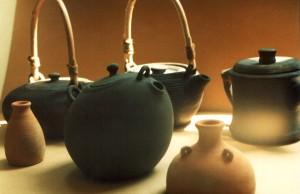 Целебный чай в керамическом чайнике
