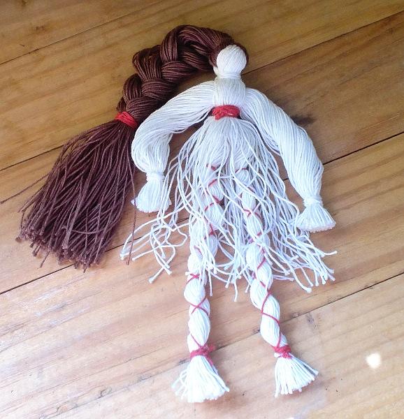 Самодельные куклы с ниток - КУКЛЫ СВОИМИ РУКАМИ ИЗ КОЛГОТОК Мастер классы с фото по